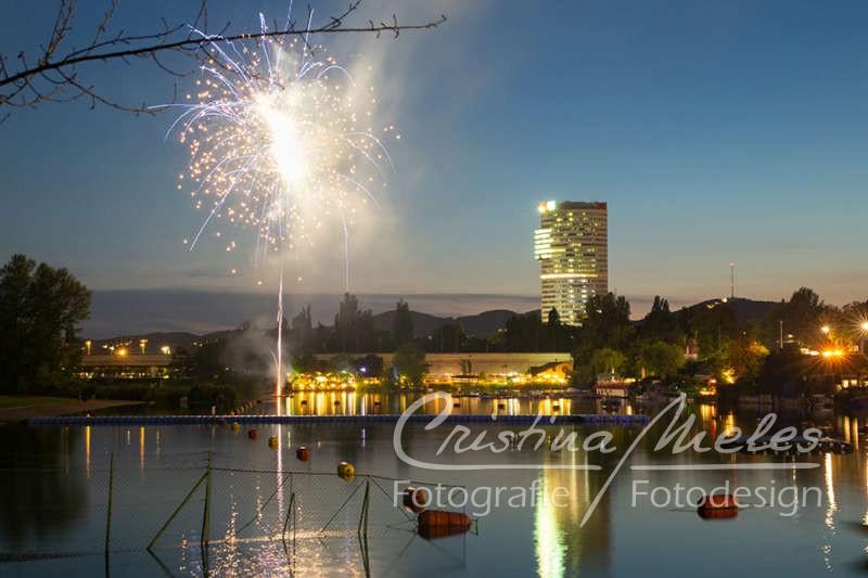 Feuerwerk beim Lichterfest in Wien